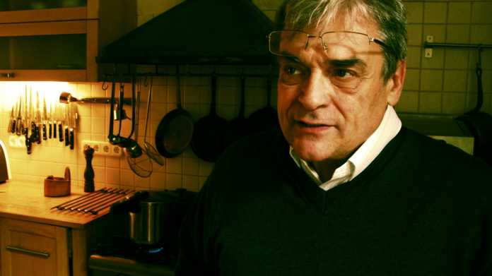 Molnár B. Tamás buda otthonában lévő konyhájában